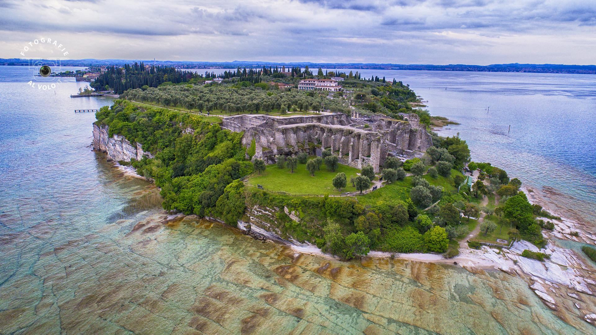 Fotografie Al Volo! Riprese aeree con drone - Sirmione - Grotte di Catullo - Lago di Garda - Tobia Fattori