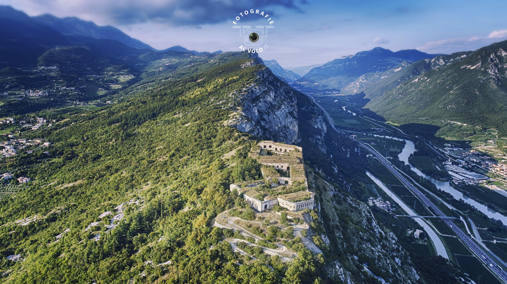 Fotografie Al Volo! Riprese aeree con drone - Sirmione - Lago di Garda - Tobia Fattori